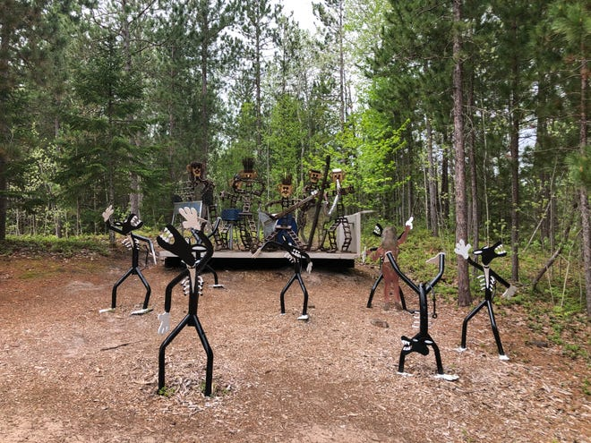 Lakenenland Sculpture Park is a free junkyard art exhibit you can drive or walk to any time of day. Over 100 quirky creations line the winding, wooded road.